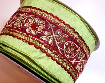 Green Beaded Christmas Wired Fabric Ribbon 4 inches wide x 10 yards, Full Bolt, Lion Brand Duke 586 Ribbon