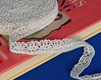 11 Yards of Cream Cluny Lace Trim 1 Inch Wide Scalloped Bottom Edge