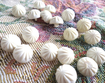 18 Vintage White Off White Fancy Buttons