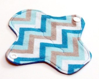 """6"""" Reusable Cloth winged ULTRATHIN Pantyliner - Cotton flannel top - Blue Chevron"""