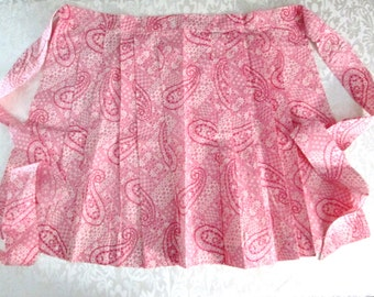 Retro Hostess Apron Pink Pleated Paisley Unused Mint Vintage Kitchen Linens