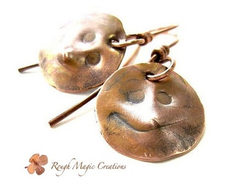 Rustic Copper Moon Earrings. Man in the Moon Jewelry. Primitive Faces. Hammered Metal. Antiqued Oxidized Copper Metalwork. Boho Chic Jewelry