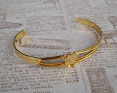 Gold Plated Cuff Bracelet with Vertical Lace Edge Oval Setting for 8x10mm Flat Back Cab or Stone (1 piece)