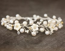 Mother of Pearl Hand Carved Flower, Freshwater Pearl, and Rhinestone Bracelet