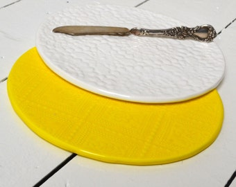 2 Wobbly Plates - in WHITE and LEMON - salad plate - medium size - breakfast plate - textured - ceramics - Wobbly Plates Series