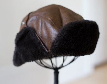 Vintage Biker Brown Leather Bomber Hat with Ear Flaps and Faux Fur - Small