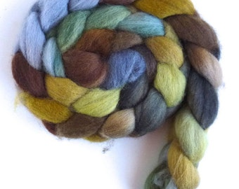 Falkland Wool Roving - Hand Painted Spinning or Felting Fiber, Moss on Rocks