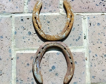 2 Antique Horseshoes Antique Vintage Rusty Iron Horseshoes