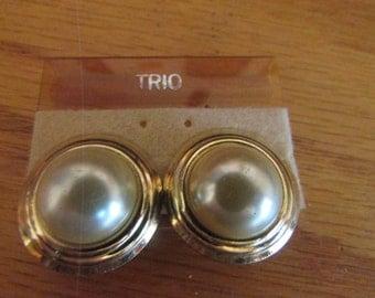 Pearl hub clips