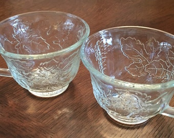 Set of 2 Glass Teacups - Leaf Design