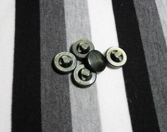 Gray/brown resin button. 1 button.