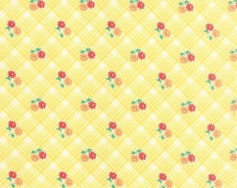 FABRIC 30s Playtime Floral reproduction print 1/2 Yard
