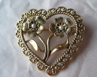 Heart Flower Gold Pearl Brooch Filigree Vintage Pin