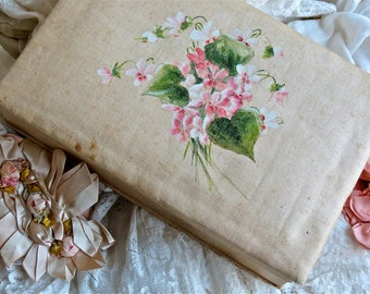 Lovely Vintage Shabby Chic French Silk Linen Hand Painted Box Lined In Aqua Silk