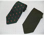 PIATTELLI Barneys New York Designer Silk Neck Tie Forest Green Orange Kitties Cats Chevron 2 Neckties Retro