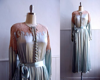 1930s Pale Blue and Ecru Lace Silk Satin Dressing Robe