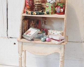 Miniature Doll House Christmas Hutch