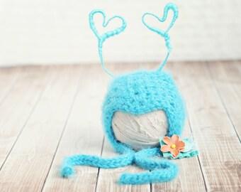 baby love bug hat // newborn photo prop // multiple sizes // luv bug // valentine hat // baby girl  hat // removable clip // boy bug // girl