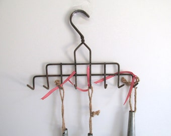 Vintage Rake Wall Hanging Home Decor Herb Dryer