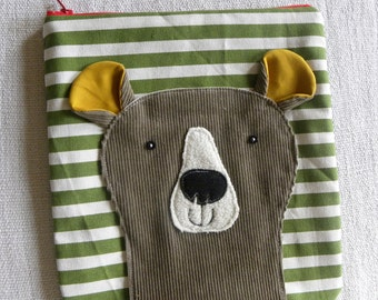 Bear on stripy green POUCH