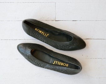 Dark Green skimmers | vintage 1980s leather flats | woven leather shoes 8.5
