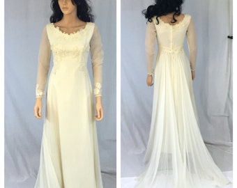 Vintage Off White Wedding Dress. X-Small. Long Sleeves. Dress with Train. Beige. Lace Appliqués. Floral. Sheer Sleeves. Small. Under 200.