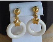 On Sale Pretty Vintage Off White Enamel Hoop Pierced Earrings, Gold tone, Post Earrings, Napier (Z2)