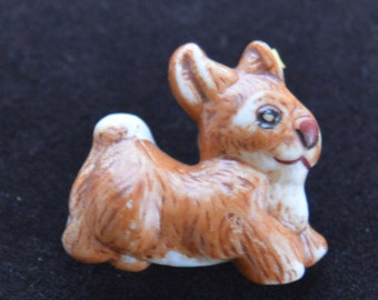 Cute Vintage Porcelain Bunny Rabbit Brooch, Easter Pin (S12)
