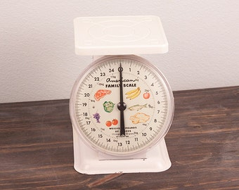 American Family Scale Weighs 25 Pounds By Ounces Household Scale Farm Kitchen Decor