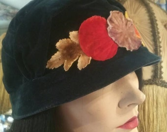 Rare cloche hat from 1920's or earlier antique vintage gatsby velvet great condition 20s Downton abbey
