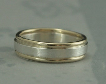Two Tone Band--Men's Band--Comfort Fit Wedding Ring--Men's Wedding Ring--Two Tone Ring--Bimetal Band--Bimetal Ring--Men's Wedding Band