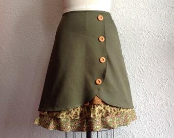 Corinne ruffle front skirt Sz 14