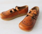 1970s Mary Jane Shoes / 1970s Shoes / Leather / Thick Rubber Soles / Size 7.5M Euro 38 UK 5.5 / Pocos