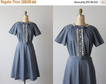 SALE Blue 1950s Dress / 50s Shirtwaist Dress / Casual Dress / Short Sleeves / Bow Ties and Lace