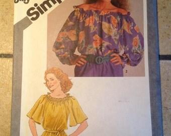 Simplicity 9841 Size Petite 6-8 Misses' Jiffy Pullover Top UNCUT