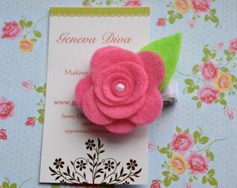 Medium Pink Felt Rosette Hairclip
