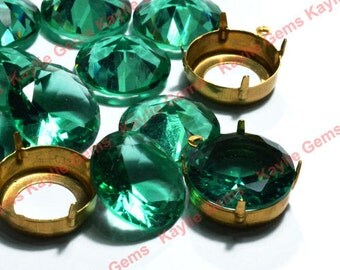 Sale - 4pcs 20mm Green Crysolite Glass Jewel with Matching Raw Brass Prong Settings