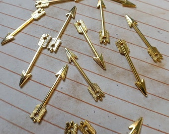 20 arrow charms, gold tone, 30mm