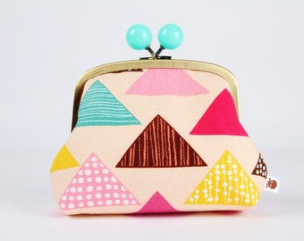 Metal frame clutch bag - Colorful triangles on light pink - Color bobble purse / Modern japanese fabric / Geometric / mint brown fuchsia