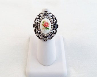 Elegant Antique Silver Floral Ring