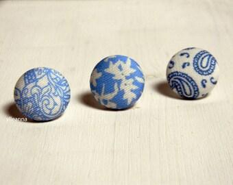 Lapel pin. Mens lapel button pin. Round boutonniere. Blue, white. Geometric buttonhole. Floral, paisley.