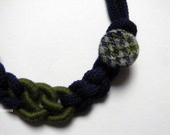 Wool necklace. Statement chain necklace - Minimalist jewelry - Blue and olive green - Gift for woman.