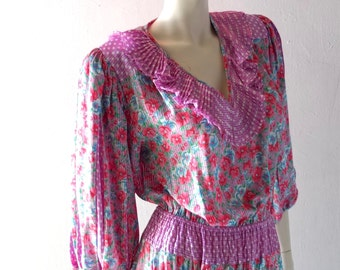 Vintage Diane Freis Crystal Pleated Printed Georgette Gypsy Dress - Pink Polka Dot w/ Liberty Style Floral Calico Print - 6 8 10 12