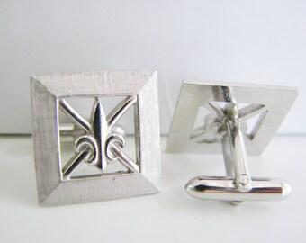 Vintage Swank silver fleur de lis  cuff links (K1)