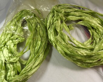 Green Bump Chenille, 25 Plus Yards, Vintage, Wired Pipe Cleaner Art Craft Supply