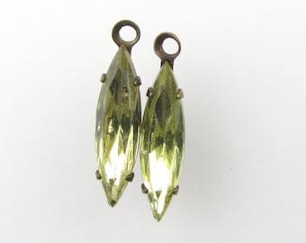 Set Stones Vintage Rhinestone Charm Jonquil Navette Antiqued Brass Yellow 15x4mm uvf0464 (5)