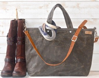 Waxed canvas tote, Carry all Leather bag Diaper bag, Messenger bag Work bag, Leather straps, Men messenger, Travel bag, Zipper