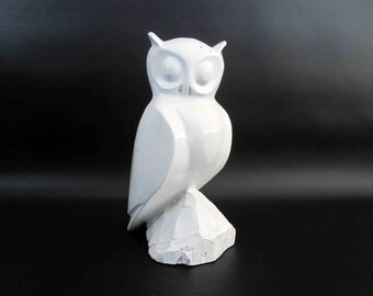 Vintage Wooden Owl Statuette in White. Circa 1960's.