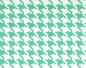 Michael Miller Fabric Everyday Houndstooth Sprout, Choose your cut