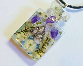Celtic Triqueta Symbol Real Flowers Moss Necklace Bohemian Jewelry Nature Resin Pendant Glitter Earth Trinity Knot Spiritual Magic Bottle